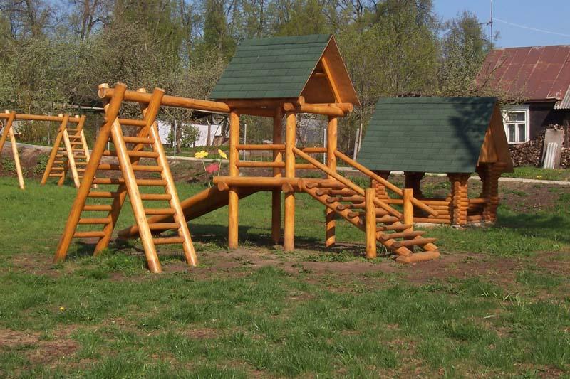 Детская площадка из брёвен